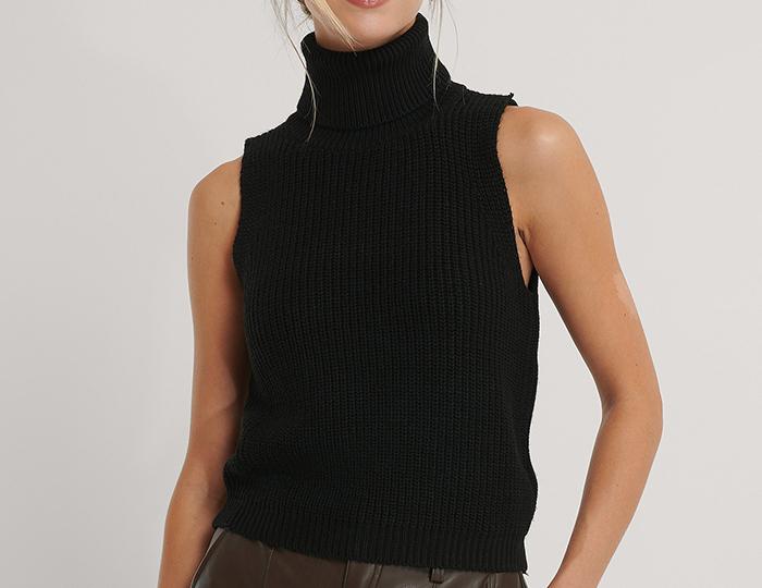 Sort kortærmet strik med høj hals