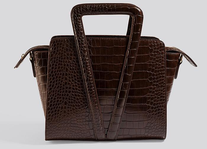 brun taske med plads til det hele