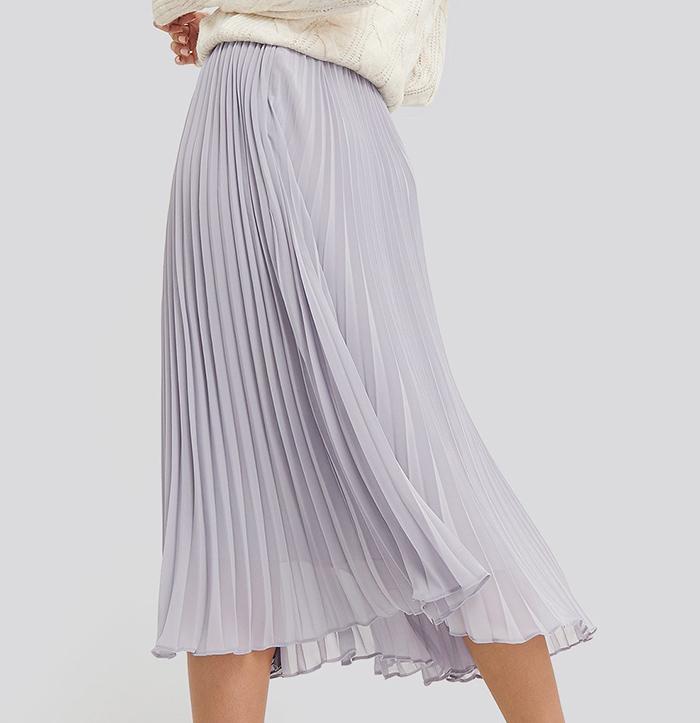 Feminin plisserede nederdel i smuk lilla farver
