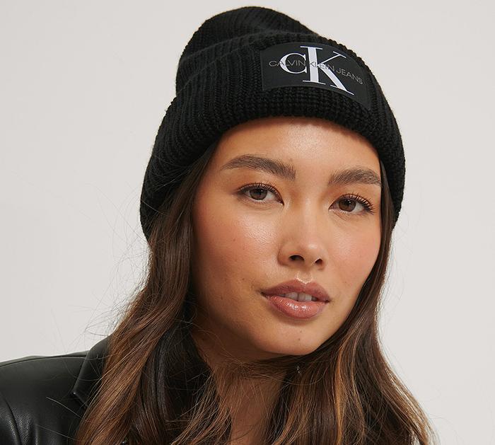 Flot sort Calvin Klein hue til kvinder