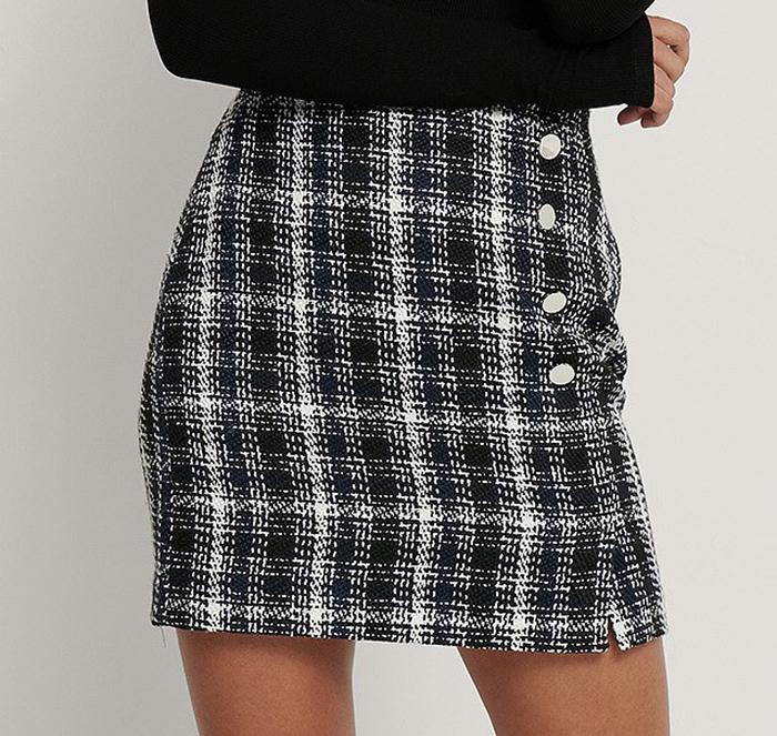 Lækker tweed nederdel i monokrom design