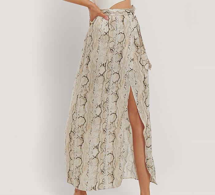 Lang billig nederdel med slangeprint