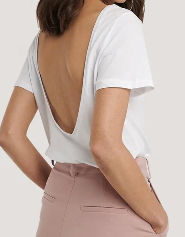 Blød hvid t-shirt med åben ryg