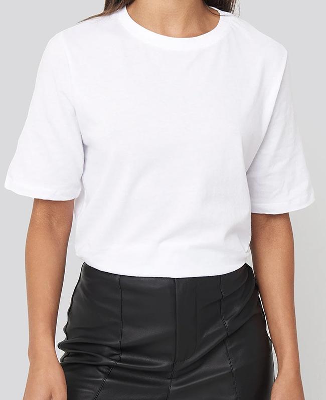 Blød t-shirt med høj rund hals