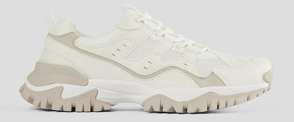 Flotte hvide sneakers med beige detaljer