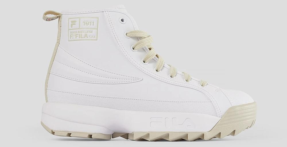 Høje hvide sneakers i ægte 90'er stil