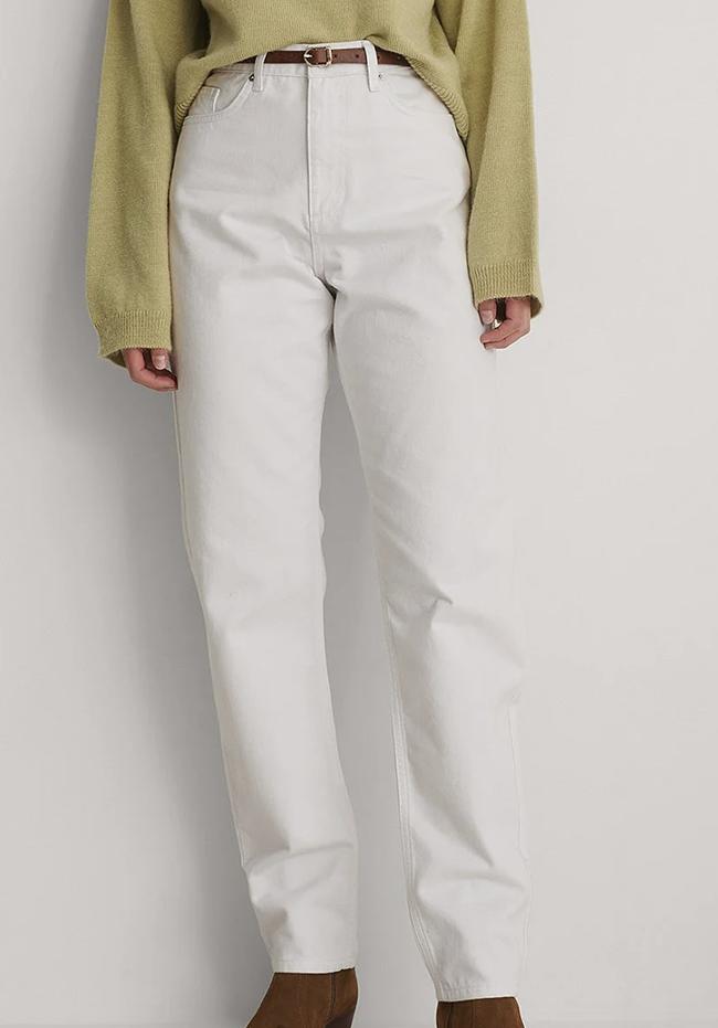 Hvide bukser til den økobevidste dame
