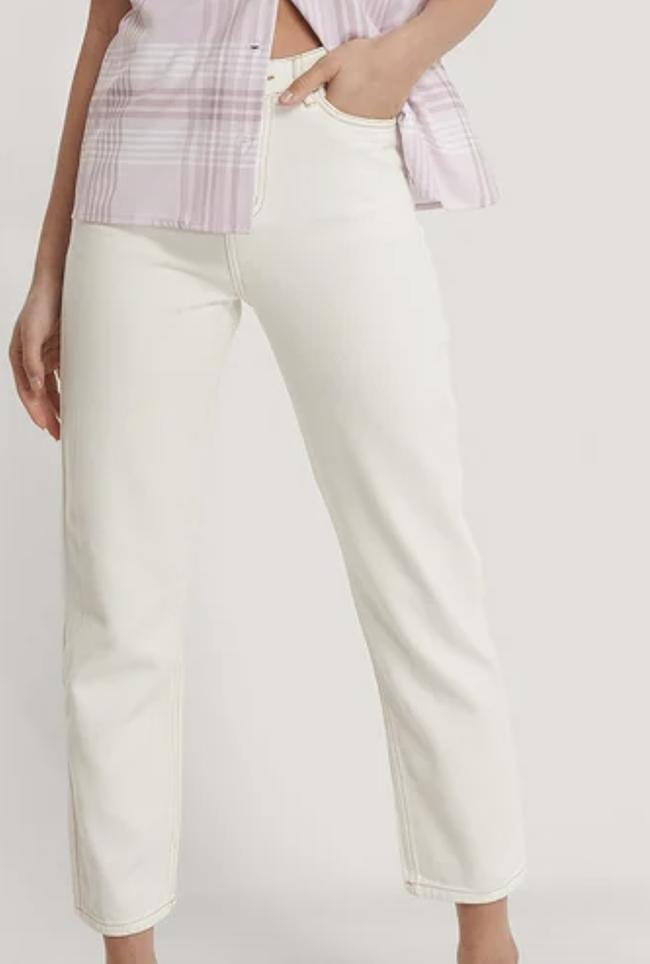 Klassiske hvide dame bukser med brune søm