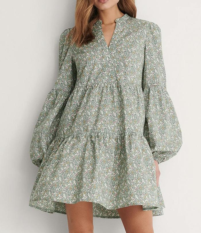 flot blomstret kjole med lange ærmer