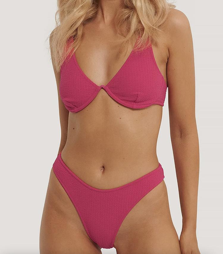 Flot bikini med bøjle bh i kraftig pink