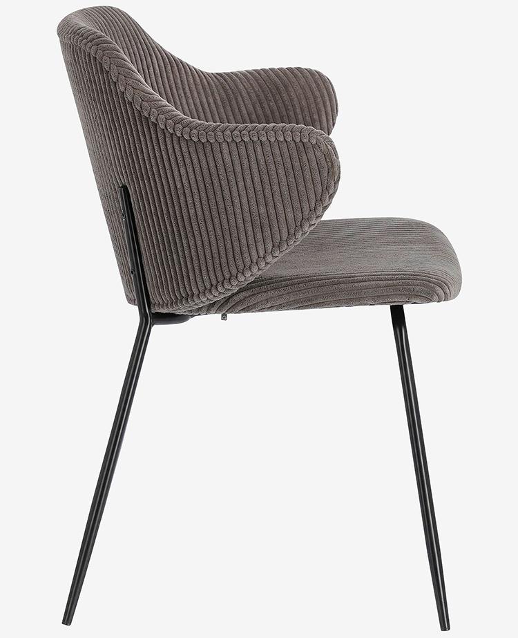 Velourbetagt spisebordsstole med sort stel