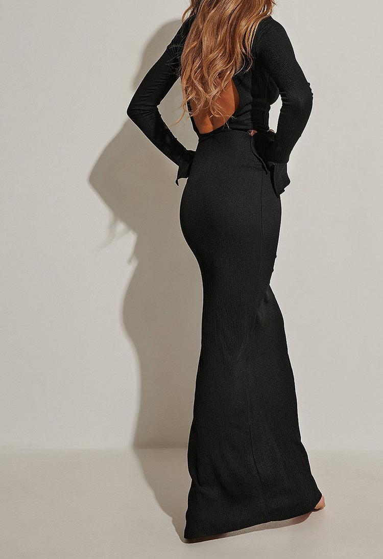 Anderledes lang kjole med ekstra lange ærmer