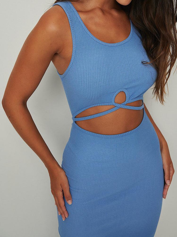 Flot Cut out kjole i kraftig blå