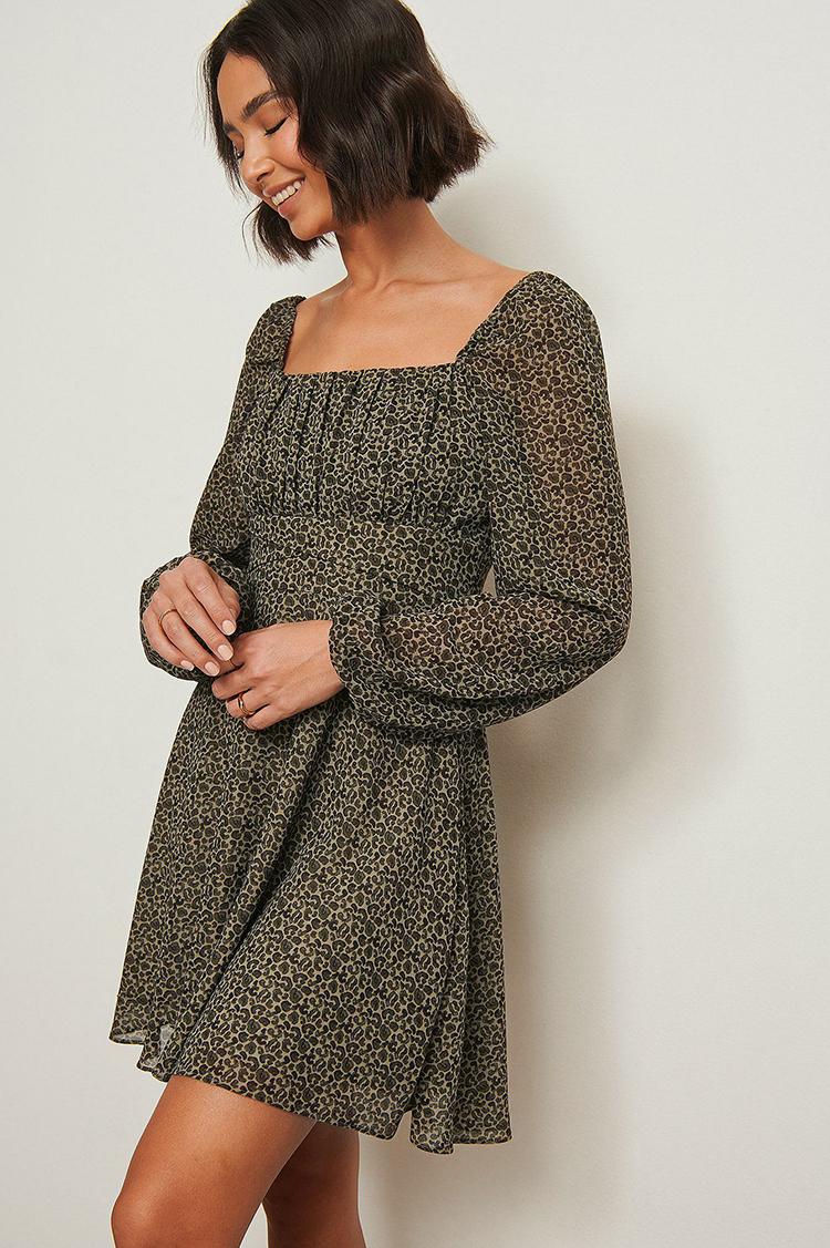 Flot billig kjole i feminint design