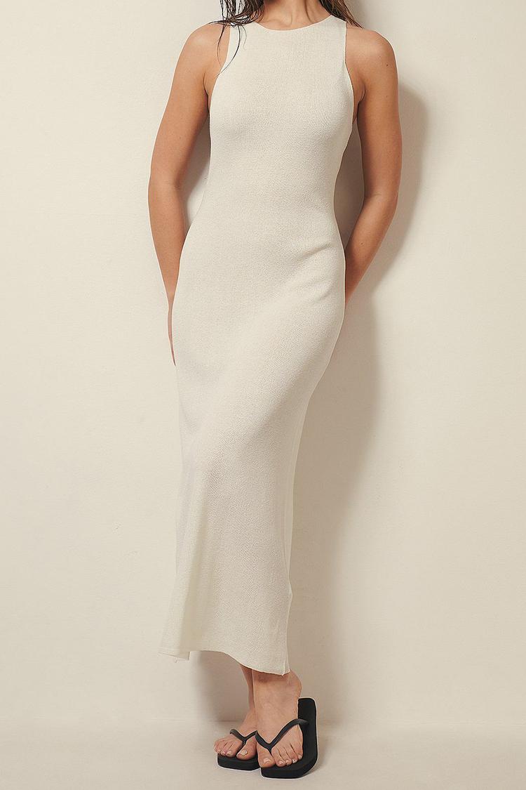 Lang hvid kjole med høj hals