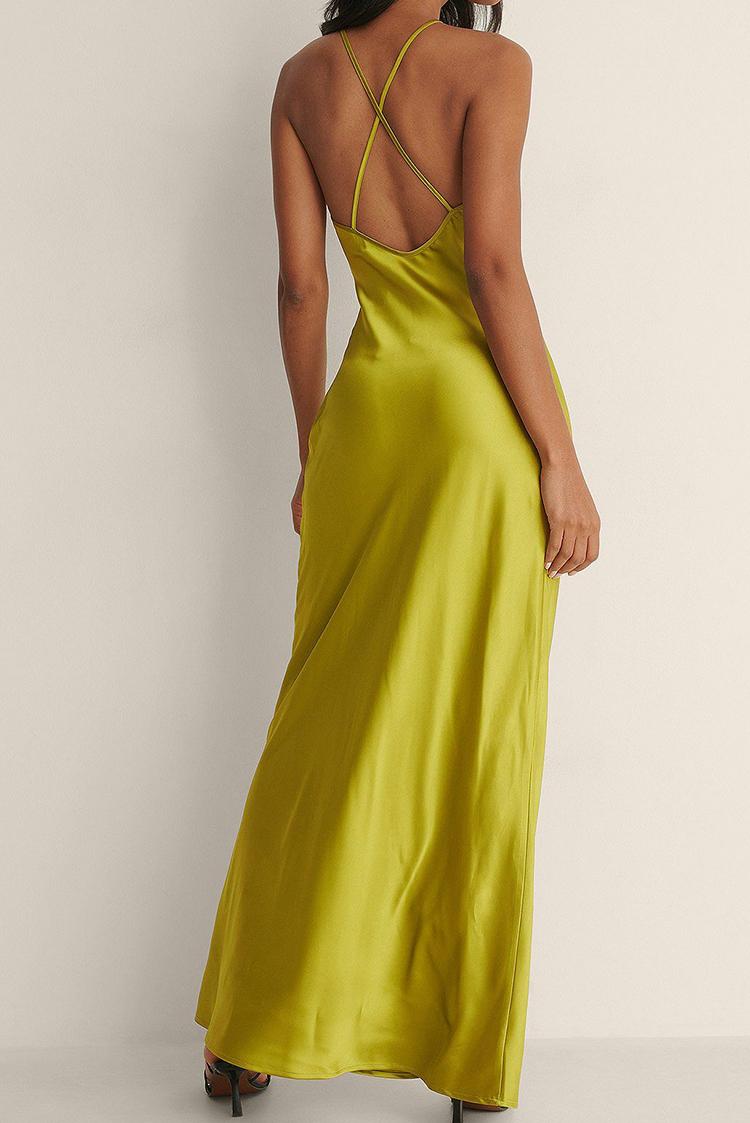 Selskabelig silkekjole i grøn nuance