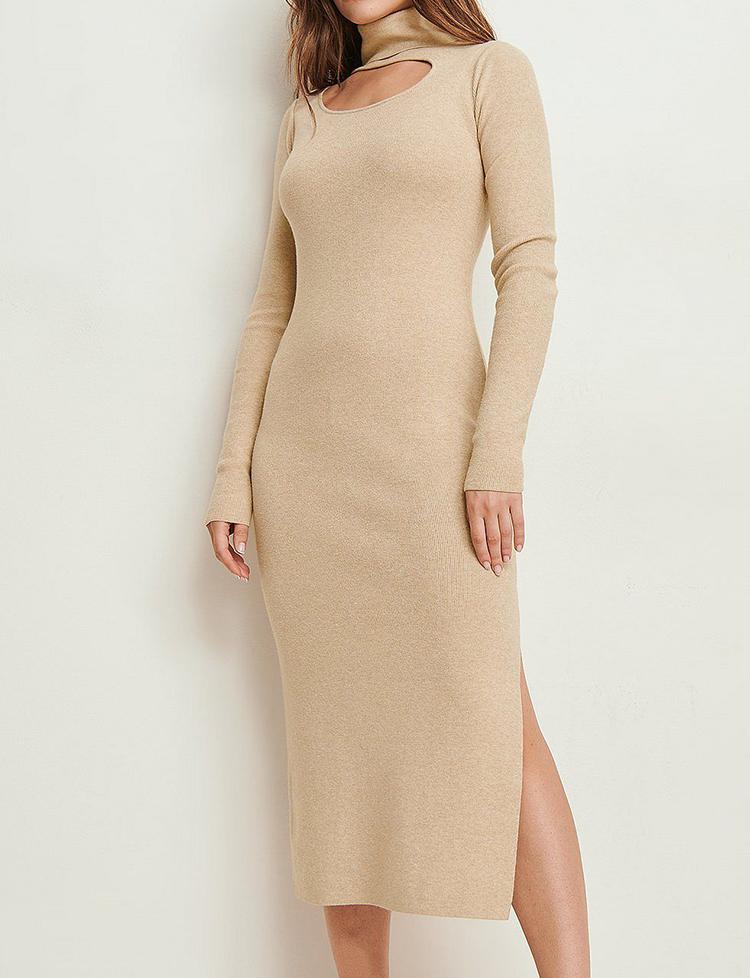 Strikket kjole med høj hals og anderledes udskæring
