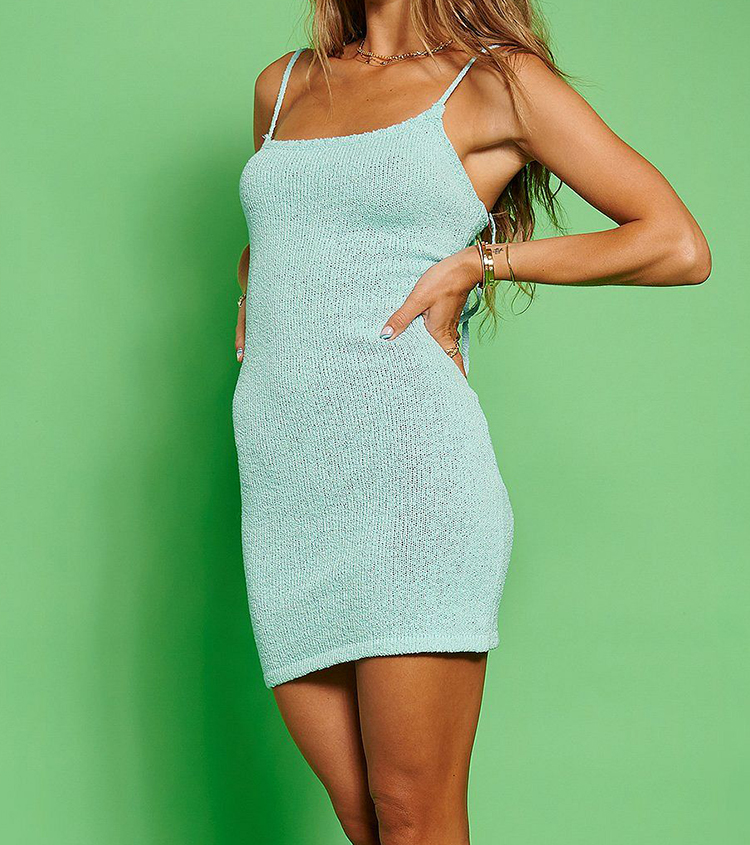 Strikket minikjole i lyseblå