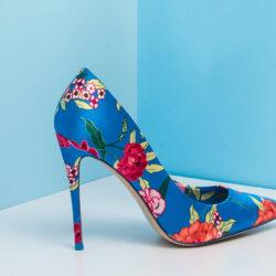 farverige højhælede sko