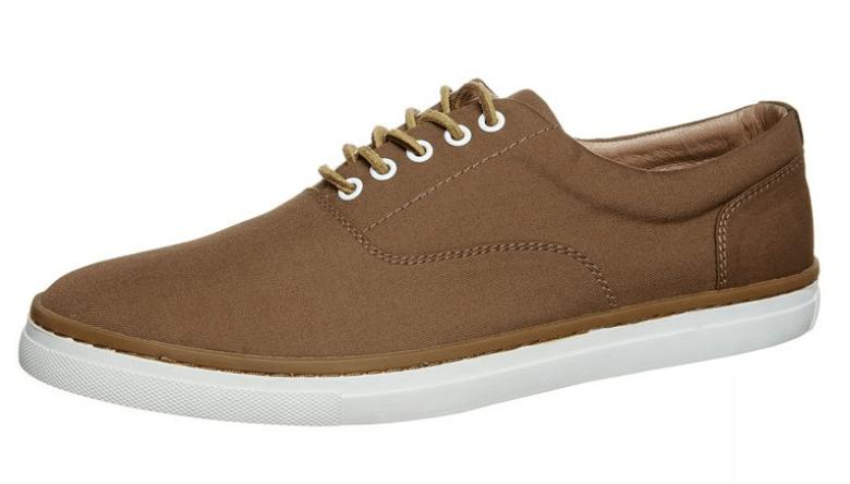 Brune sko med hvid sål